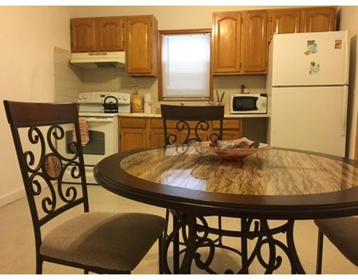 Casa Unifamiliar por un Alquiler en 108 Southern Avenue Boston, Massachusetts 02124 Estados Unidos