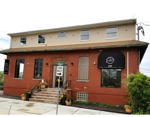 Commercial للـ Sale في 180 Everett Avenue Chelsea, Massachusetts 02150 United States