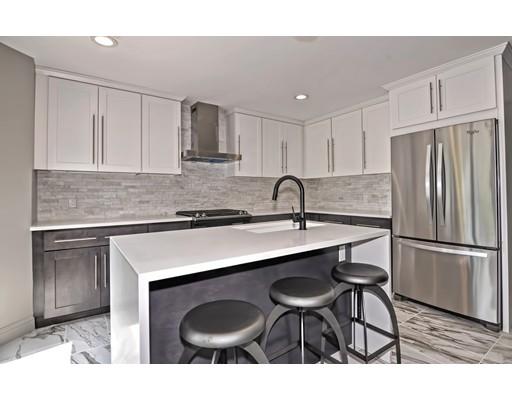 Maison unifamiliale pour l Vente à 167 N Quidnessett Road North Kingstown, Rhode Island 02852 États-Unis