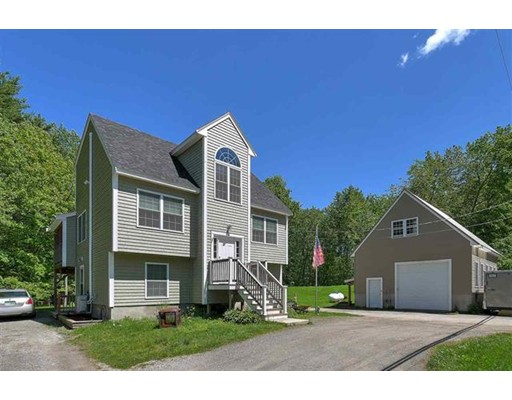 Maison unifamiliale pour l Vente à 3 Main Street Sandown, New Hampshire 03873 États-Unis