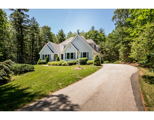 Single Family Home for Sale at 16 Hood Farm Road Ipswich, Massachusetts 01938 United States