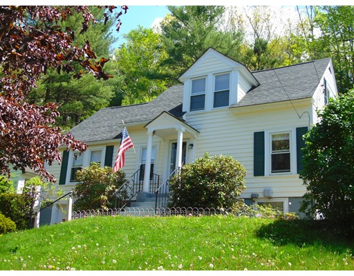 Single Family Home for Sale at 151 Pickering Manchester, New Hampshire 03104 United States