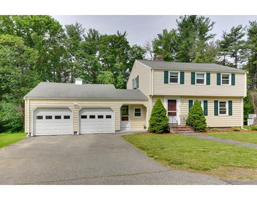 Maison unifamiliale pour l Vente à 6 Corcoran Road Burlington, Massachusetts 01803 États-Unis