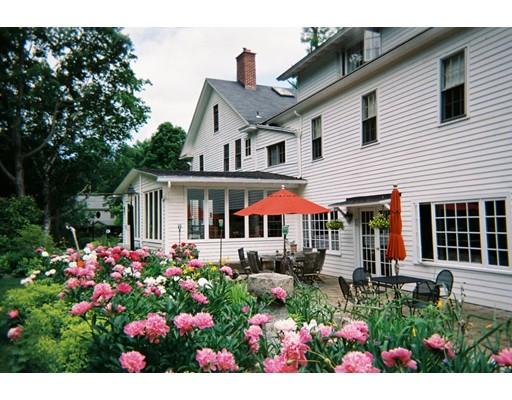 Casa Unifamiliar por un Venta en 286 Great Barrington Road 286 Great Barrington Road West Stockbridge, Massachusetts 01266 Estados Unidos