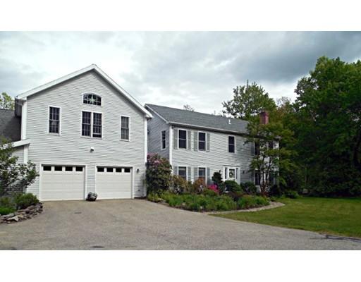Maison unifamiliale pour l Vente à 488 Jackson Road Hardwick, Massachusetts 01037 États-Unis