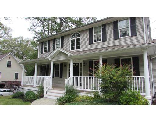 واحد منزل الأسرة للـ Sale في 90 Elizabeth Avenue North Smithfield, Rhode Island 02896 United States