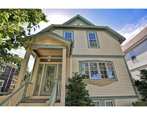Maison unifamiliale pour l Vente à 60 Quincy Street Medford, Massachusetts 02155 États-Unis