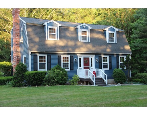 Single Family Home for Sale at 54 South Street Upton, Massachusetts 01568 United States