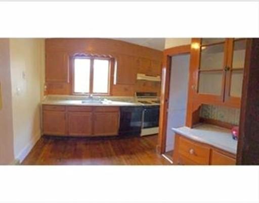 独户住宅 为 出租 在 82 Beechcroft Street 波士顿, 马萨诸塞州 02135 美国