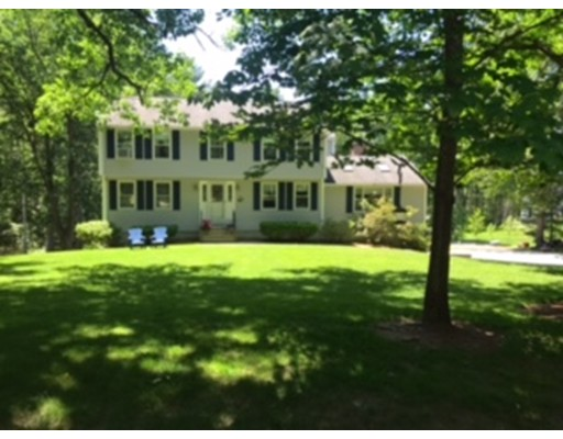 Single Family Home for Sale at 10 Sutton Place Londonderry, New Hampshire 03053 United States