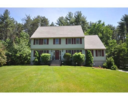 Maison unifamiliale pour l Vente à 26 Inches Brook Lane Boxborough, Massachusetts 01719 États-Unis