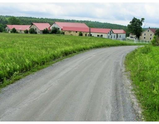独户住宅 为 销售 在 54 Gibbs Road 布兰弗德, 马萨诸塞州 01008 美国