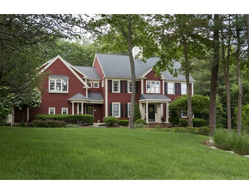 Casa Unifamiliar por un Venta en 35 Village Lane Hanover, Massachusetts 02339 Estados Unidos