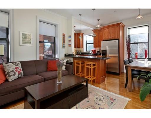 独户住宅 为 出租 在 104 Myrtle Street 波士顿, 马萨诸塞州 02114 美国