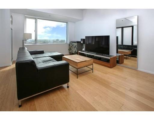 Casa Unifamiliar por un Alquiler en 141 Dorchester Avenue Boston, Massachusetts 02127 Estados Unidos