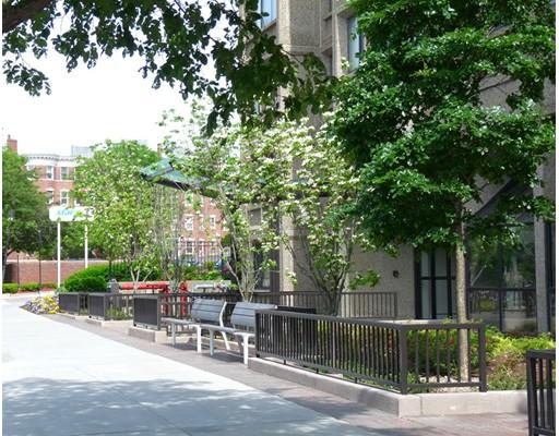 Casa Unifamiliar por un Alquiler en 1731 Beacon Street Brookline, Massachusetts 02445 Estados Unidos
