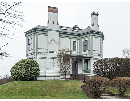 Casa Unifamiliar por un Alquiler en 832 Belmont Street Watertown, Massachusetts 02472 Estados Unidos