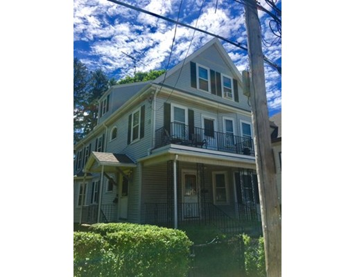 独户住宅 为 出租 在 111 Dustin Street 波士顿, 马萨诸塞州 02135 美国