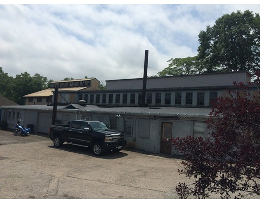 Commercial for Sale at 1550 River Street 1550 River Street Boston, Massachusetts 02136 United States