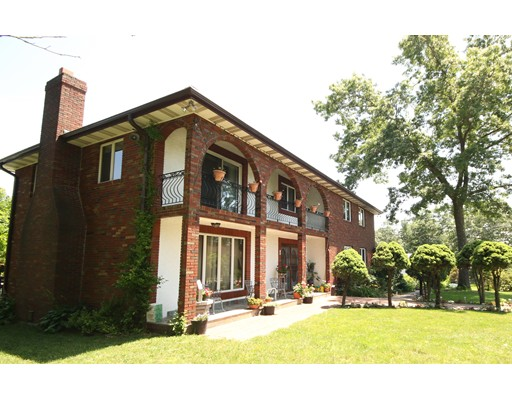 واحد منزل الأسرة للـ Sale في 16 Stewart Road North Reading, Massachusetts 01864 United States