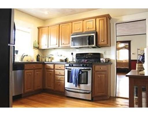 独户住宅 为 出租 在 41 Windsor Road 梅福德, 马萨诸塞州 02155 美国