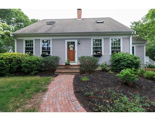 واحد منزل الأسرة للـ Sale في 8 Naushon Bourne, Massachusetts 02562 United States