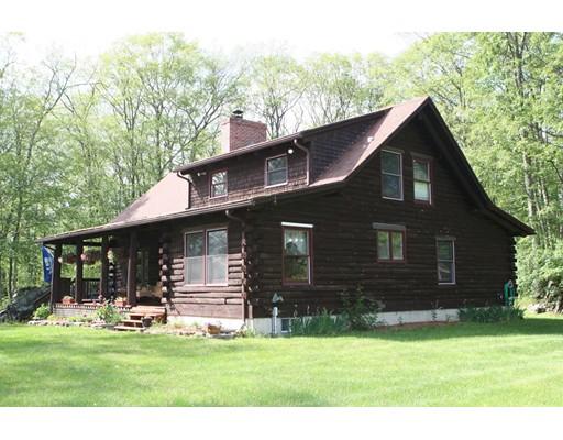 واحد منزل الأسرة للـ Sale في 111 May Hill Road 111 May Hill Road Monson, Massachusetts 01057 United States
