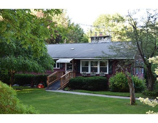 Casa Unifamiliar por un Venta en 251 Coldbrook Road Oakham, Massachusetts 01068 Estados Unidos