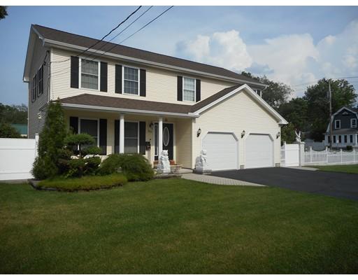 独户住宅 为 销售 在 243 Abbott Street Springfield, 01118 美国