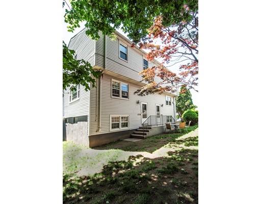 Casa Unifamiliar por un Alquiler en 40 Franclaire Drive Boston, Massachusetts 02132 Estados Unidos