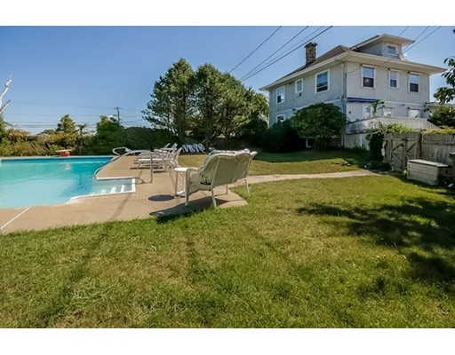Single Family Home for Sale at 732 Sconticut Neck Road 732 Sconticut Neck Road Fairhaven, Massachusetts 02719 United States