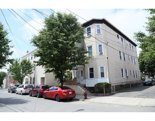 多户住宅 为 销售 在 82 IRVING Street Everett, 马萨诸塞州 02149 美国