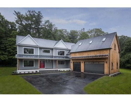 Частный односемейный дом для того Продажа на 40 Maple Street Sherborn, Массачусетс 01770 Соединенные Штаты