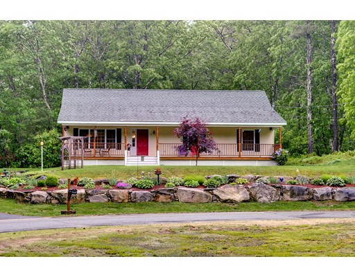 Single Family Home for Sale at 7 Maureen Lane Hudson, New Hampshire 03051 United States