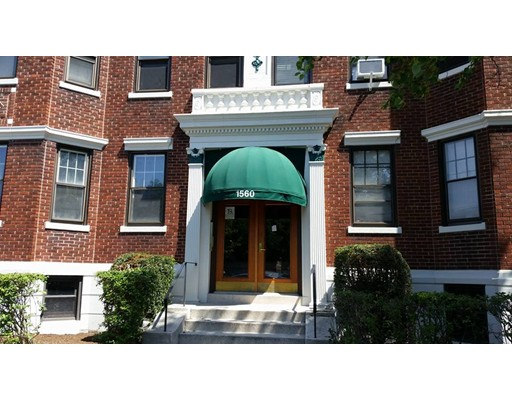 1560 Commonwealth Ave 15, Boston, MA 02135