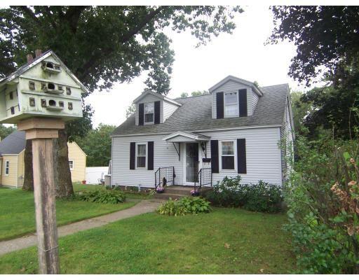 Casa Unifamiliar por un Venta en 1721 Westover Road Chicopee, Massachusetts 01020 Estados Unidos