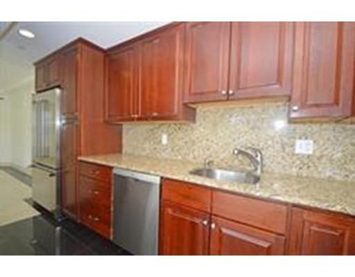 Appartement en copropriété pour l à louer à 2440 MAssachusetts #0 2440 MAssachusetts #0 Cambridge, Massachusetts 02140 États-Unis