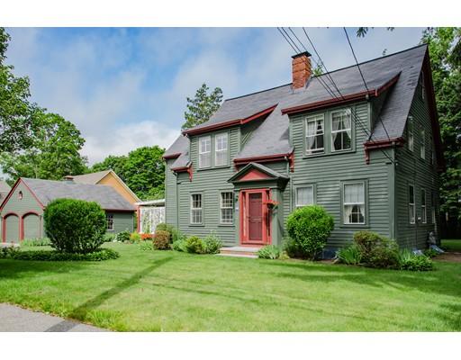 Maison unifamiliale pour l Vente à 152 DODGE STREET Beverly, Massachusetts 01915 États-Unis