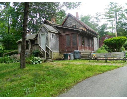 Maison unifamiliale pour l Vente à 176 County Road Freetown, Massachusetts 02717 États-Unis
