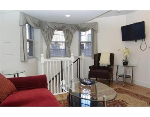Additional photo for property listing at 230 Commonwealth Avenue  Boston, Massachusetts 02116 Estados Unidos