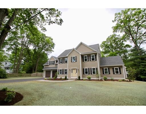 Частный односемейный дом для того Продажа на 22 Madawaska Street Bedford, Массачусетс 01730 Соединенные Штаты