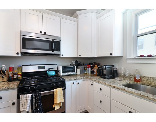 Additional photo for property listing at 140 W 8th #1 140 W 8th #1 Boston, Massachusetts 02127 United States