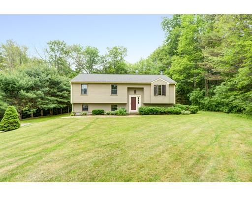 Частный односемейный дом для того Продажа на 73 Hill Road Charlton, Массачусетс 01507 Соединенные Штаты