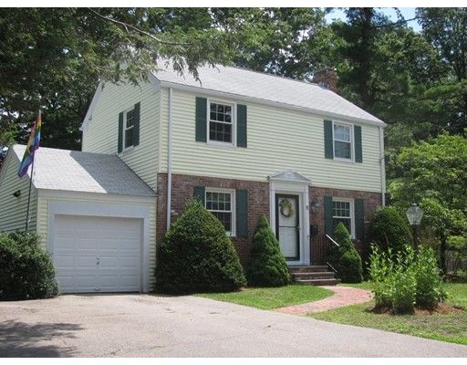 Single Family Home for Sale at 11 Hampton Road Natick, Massachusetts 01760 United States