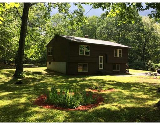 واحد منزل الأسرة للـ Sale في 560 Conant Road Athol, Massachusetts 01331 United States