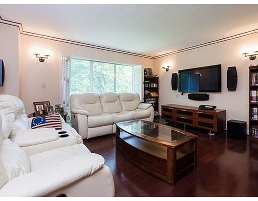 22 Chestnut Place 215, Brookline, MA 02245