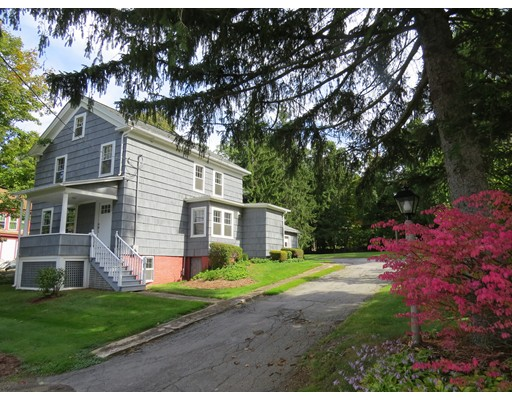 Single Family Home for Sale at 10 High Street Brookfield, Massachusetts 01506 United States