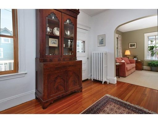 41 Ackers Ave 2, Brookline, MA 02445