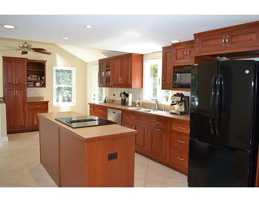 独户住宅 为 出租 在 14 Bartlett Road 阿什兰, 01721 美国