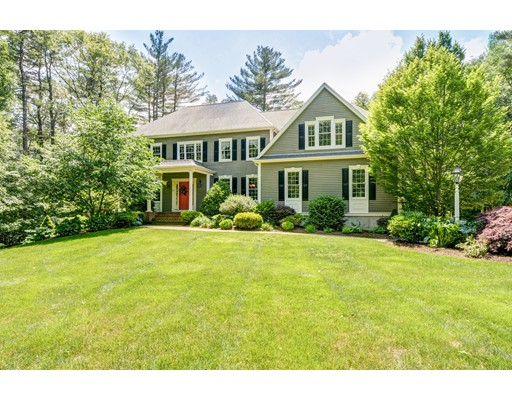 Single Family Home for Sale at 29 Prospect Street Upton, Massachusetts 01568 United States